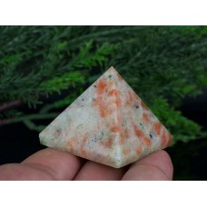 Sunstone (güneş taşı ) Piramit